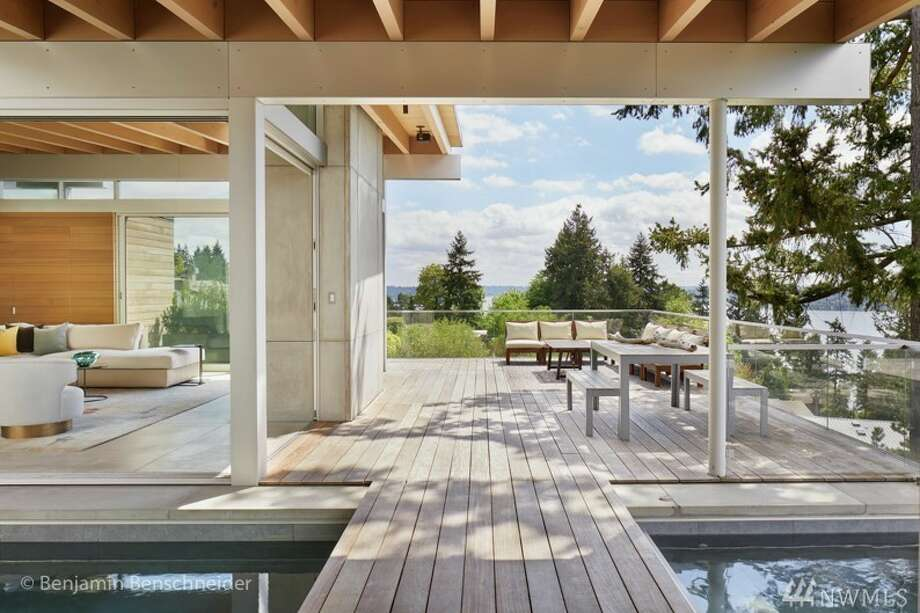 Masterpiece of modernity on Mercer Island: $4.5 million Photo:  Justin Sult • Keller Williams Rlty Bellevue