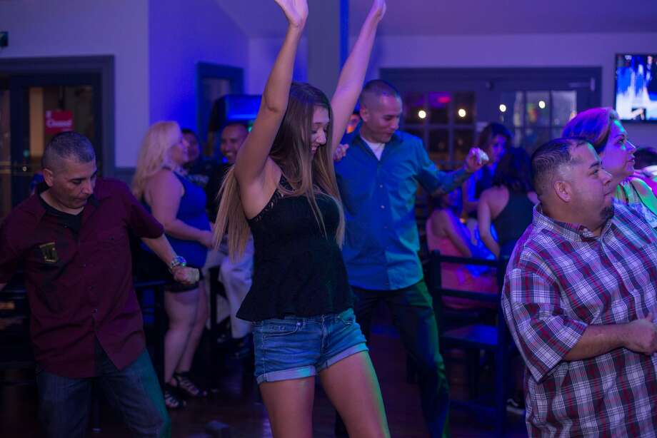 Groove House was the place to be Saturday night June 9, 2018, as locals escaped the heat with cool drinks and a sizzling hot dance floor. Photo: Kody Melton For MySA