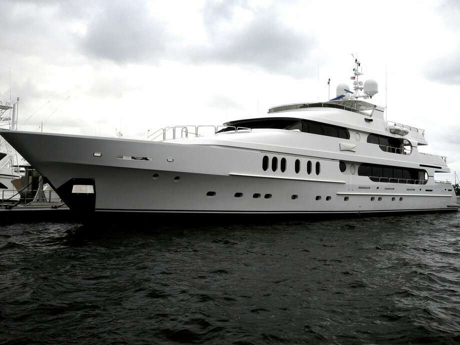 "Tiger Woods' yacht ""Privacy"" is seen docked in Florida in 2009. Photo: Associated Press"
