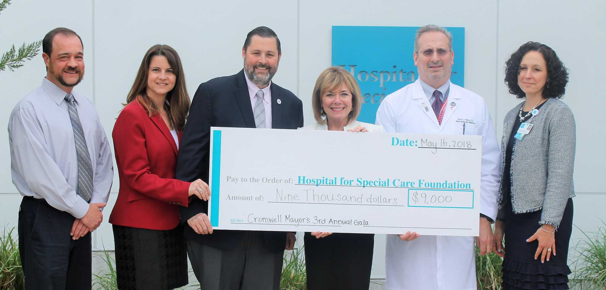 Cromwell mayor's ball gives $9,000 to Hospital for Special