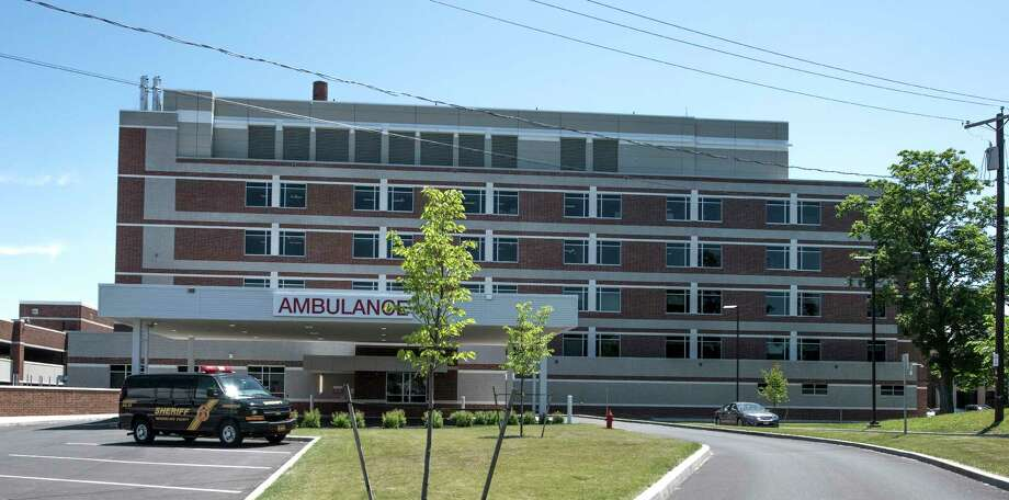Western elevation of the exterior view of the new Heinrich Medicus Pavilion of Samaritan Hospital Monday June 11, 2018, in Troy, N.Y.  (Skip Dickstein/Times Union) Photo: SKIP DICKSTEIN, Albany Times Union / 40044043A