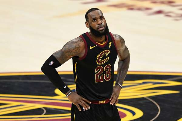 346865da8e07 1of8LAS VEGAS ODDS  Which NBA team will land Lebron James for the 2018-19  season Let s just say things are looking good for Los Angeles basketball  fans.