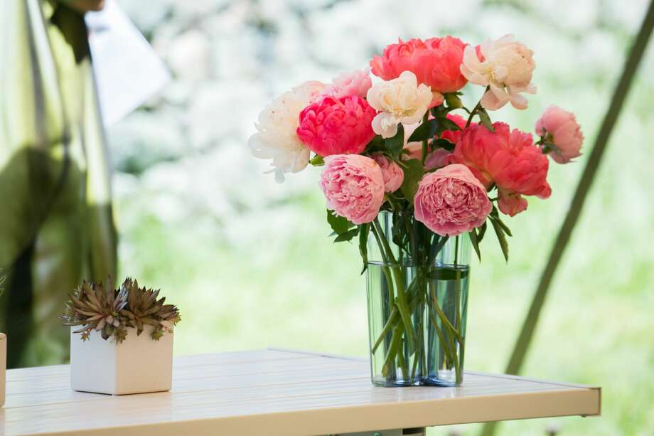 >> Scroll through to see some of the Connecticut florists taking delivery or curbside pickup orders for Mother's Day Photo: Neil Landino | Instagram: @NeilLandino
