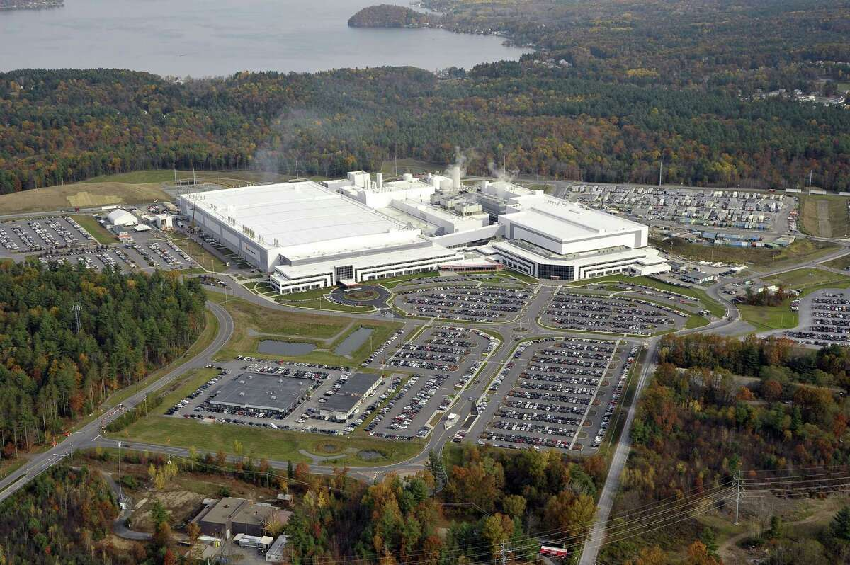 Aerial showing GlobalFoundries, Oct. 28, 2014, in Malta, N.Y. (Gary Gold Photography)