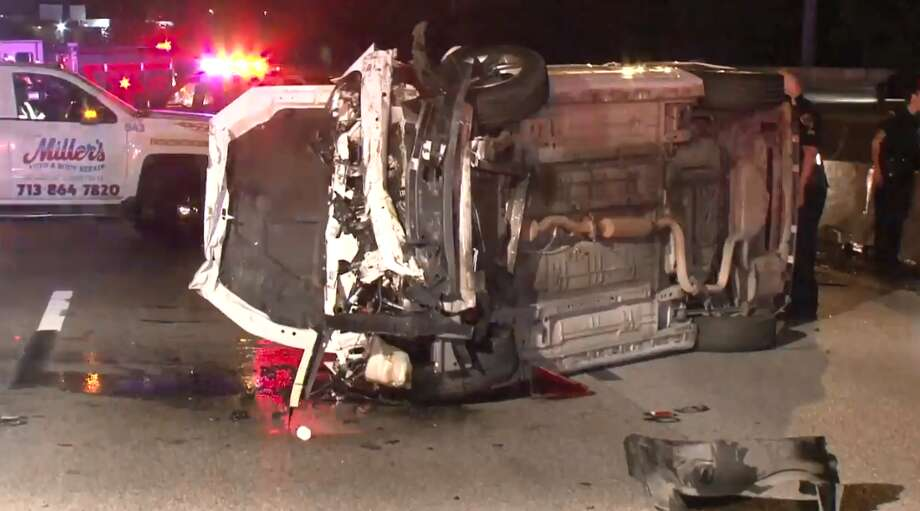 Woman injured in rollover crash near Heights - Houston Chronicle