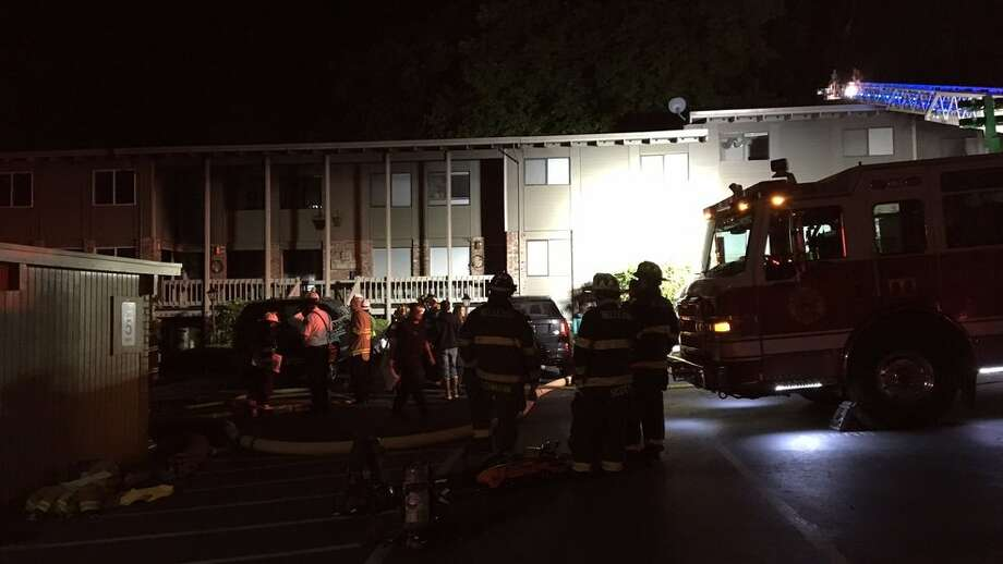 Several units were damaged by a 3-alarm fire in Redmond late Monday night. (Photo credit: Thomas Lin) Photo: Komonews.com