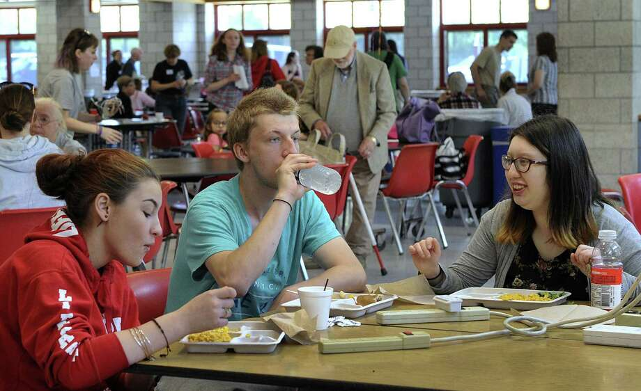 Students between the ages of 1 and 18 can receive a healthy breakfast or lunch at several schools in Crosby and Humble ISDs. Photo: Carol Kaliff, Photo Editor / Hearst Connecticut Media / The News-Times