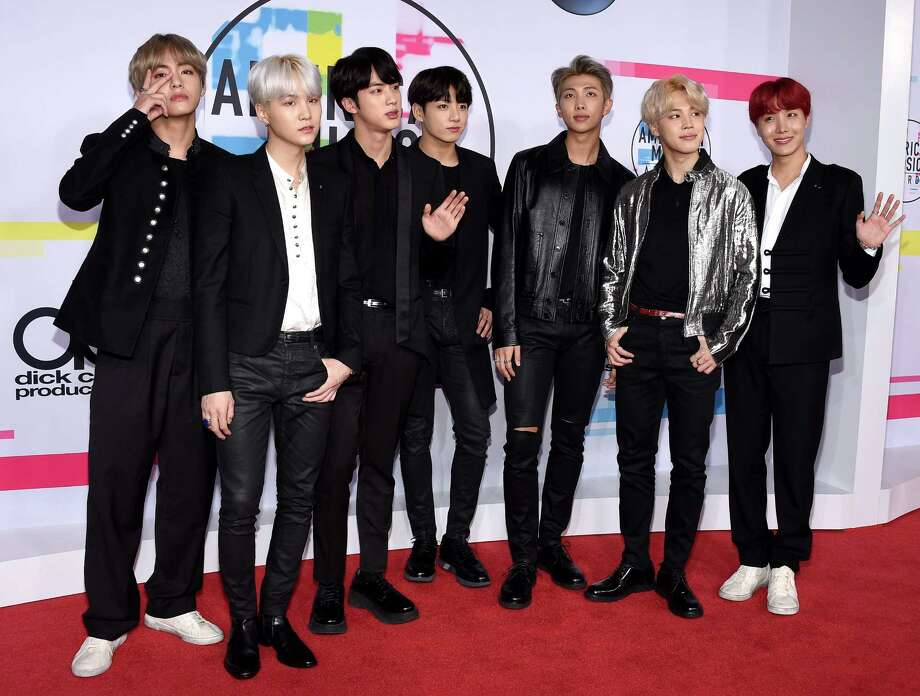 BTS attends the 2017 American Music Awards at Microsoft Theater on November 19, 2017 in Los Angeles. Photo: Hahn Lionel, TNS / Abaca Press
