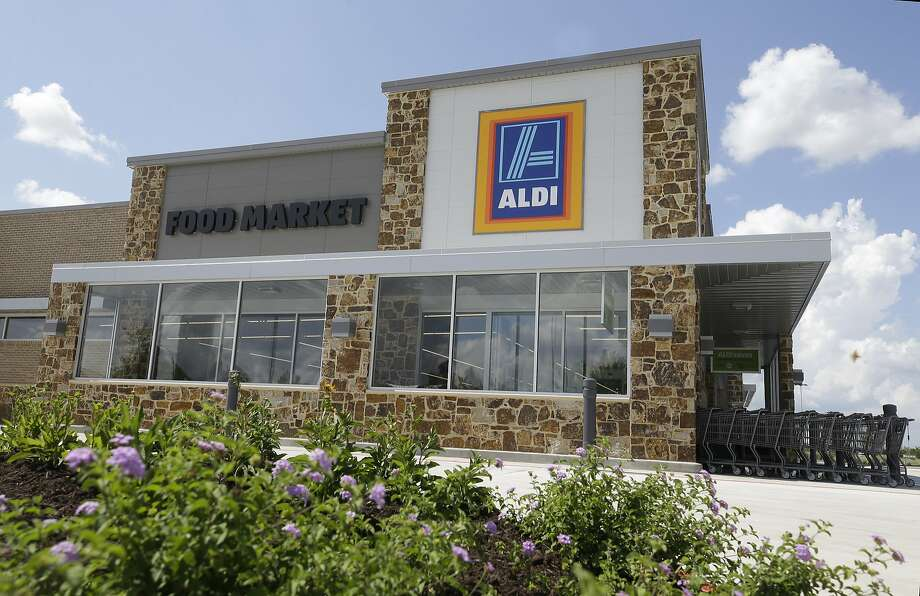 An Aldi in Fulshear.  Photo: Melissa Phillip, Houston Chronicle