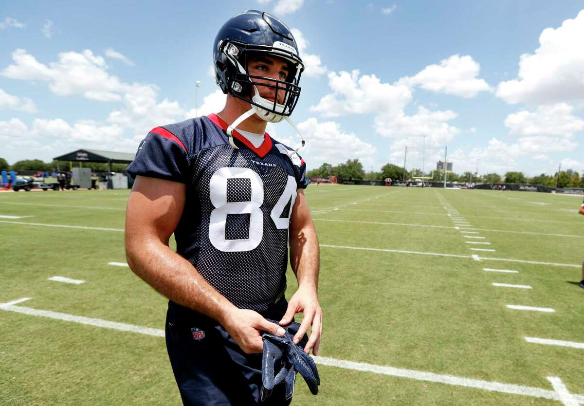 Houston Texans tight end Ryan Griffin walks off the practice field during mini camp at The Methodist Training Center on Tuesday, June 12, 2018, in Houston.