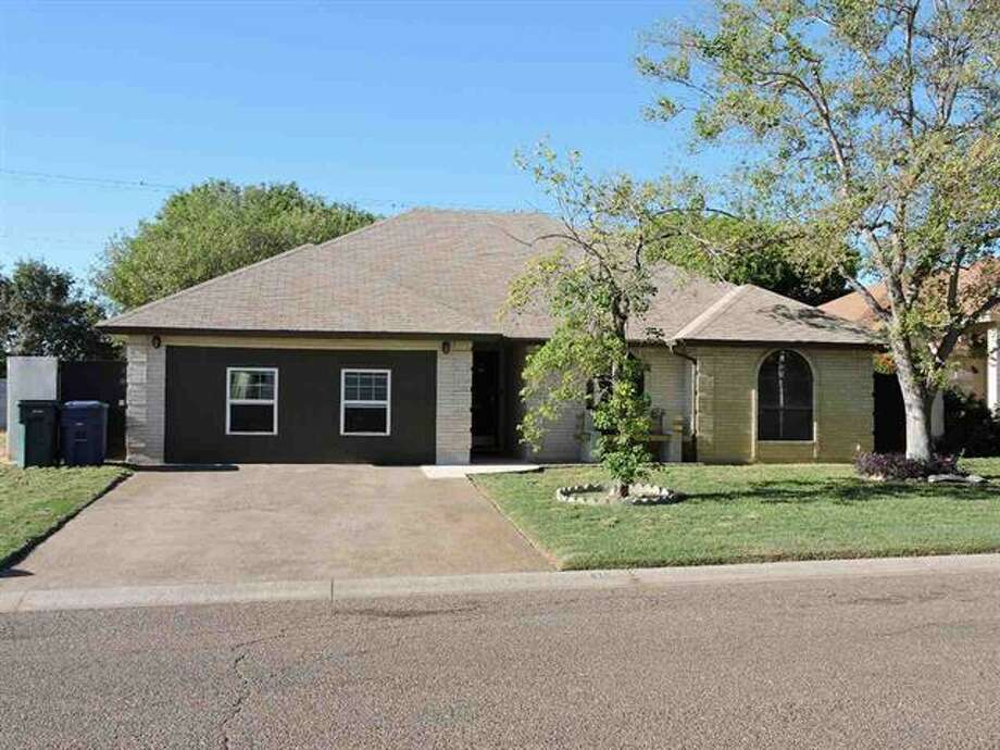 418 St. Croix Dr., Las Brisas Sub.Reduced  Price. 3 bedroom 2 bath  approx 1551 sq ft, large master bedroom, spacious backyard with patio. Garage converted into play room but can be converted back to a 2 car garage. 