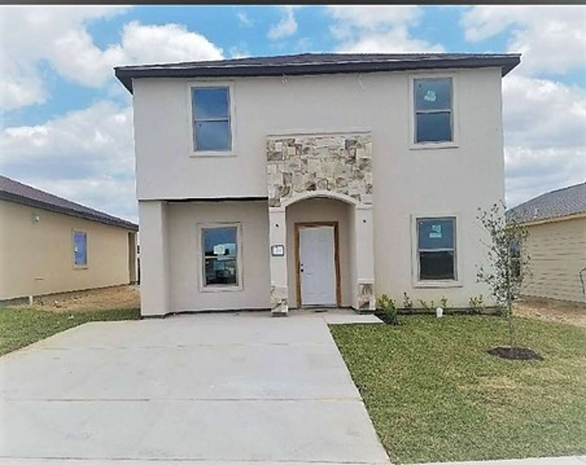 5801 Moses Loop 3 BEDS, 2 BATHS and is 1,800 Square Ft. Asking price for this home is $194,000. Hosting Agent: Roberto Puente (956) 206-7956 from Prodigy Realty Group