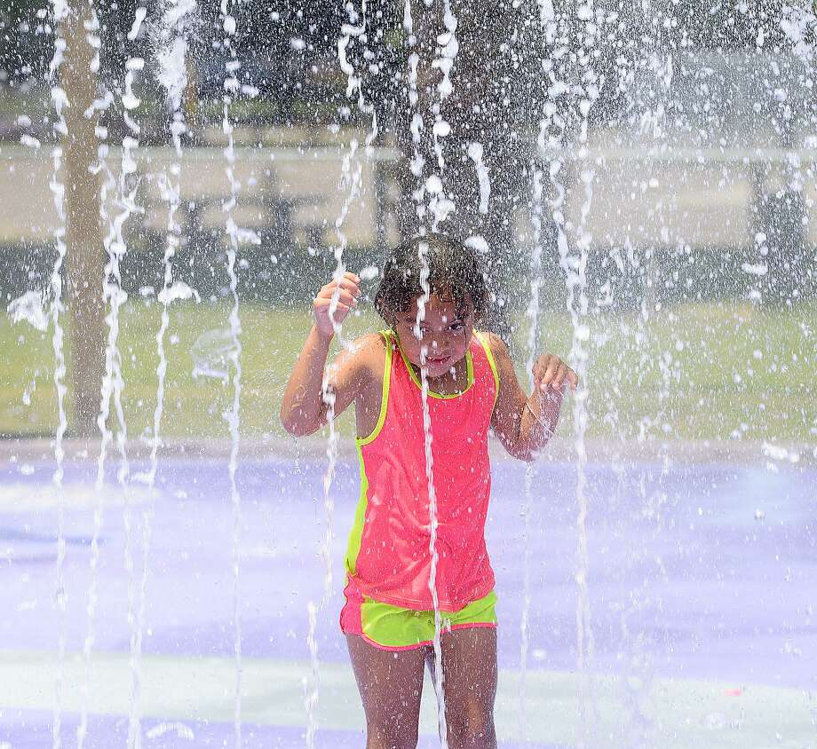 A heat advisory remains in Southeast Texas through 8 p.m. Monday. Photo: Kim Brent / The Enterprise / BEN