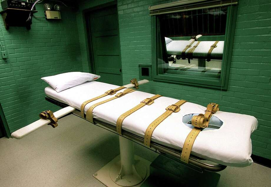 The gurney in Texas' execution chamber on death row in Huntsville. Photo: CHUCK BERMAN, FILE / TNS / Chicago Tribune