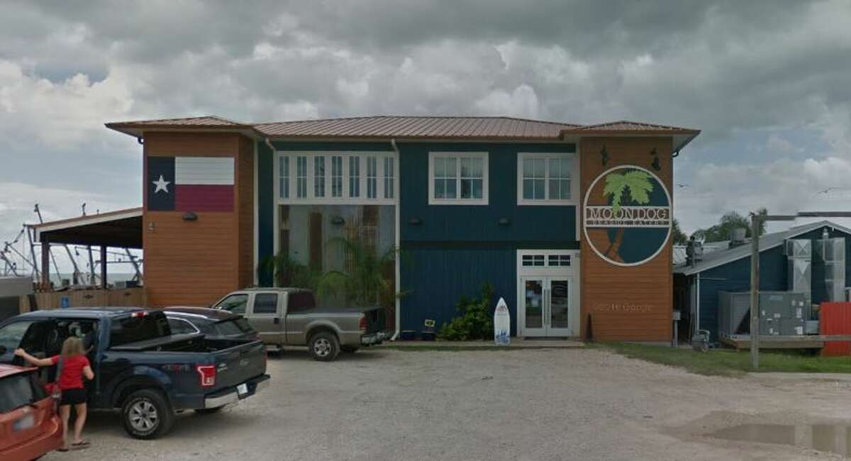 MoonDog Seaside Eatery: 361-729-6200