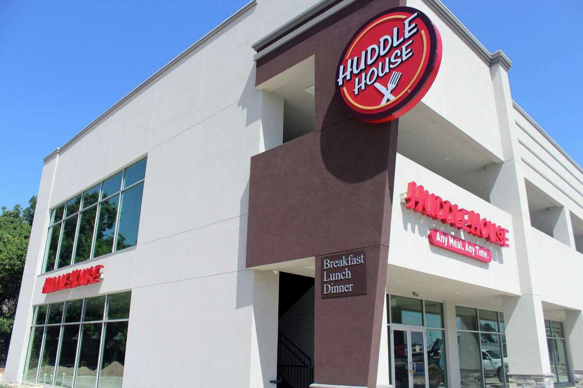 Coming soon to Cleveland is Huddle House which will be located at 2409 E Houston Street.