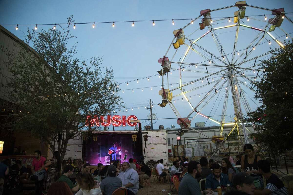 View of the outdoor dining space at the Truck Yard, Thursday, June 7, 2018, in Houston. ( Marie D. De Jesús / Houston Chronicle )