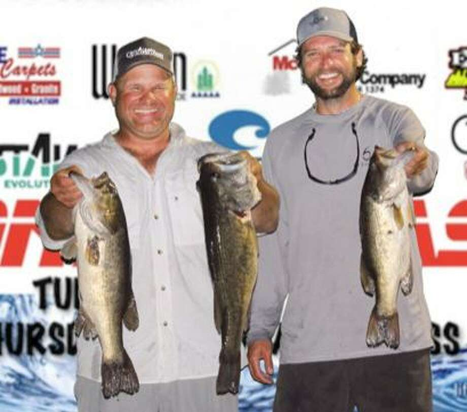 Travis Moore and Taylor Robbins won the CONROEBASS Tuesday Tournament with a stringer total weight of 16.22 pounds. Photo: Conroe Bass