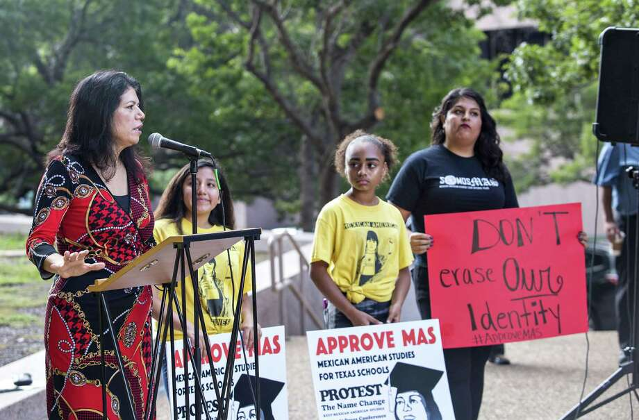 """State Rep. Carol Alvarado speaks Tuesday to protestors of the State Board of Education's decision to drop """"Mexican American"""" from the name of an ethnic studies course. The board reversed itself Wednesday. Photo: Thao Nguyen / / Thao Nguyen"""