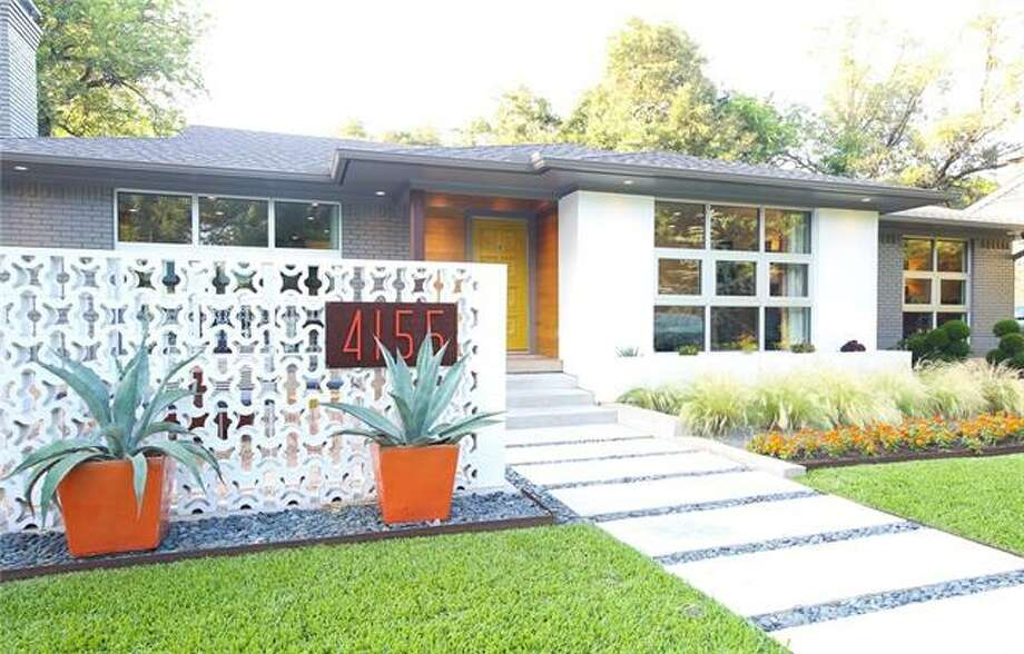 This mid-century, retro style Texas home listed at $750,000 offers a little taste of Palm Springs in the Lone Star State. Photo: Christine Colling