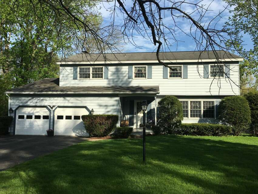 House of the Week: 4027 Buckingham Drive, Schenectady | Realtor: Johanna Clarke with Venture Realty Partners | Discuss: Talk about this house