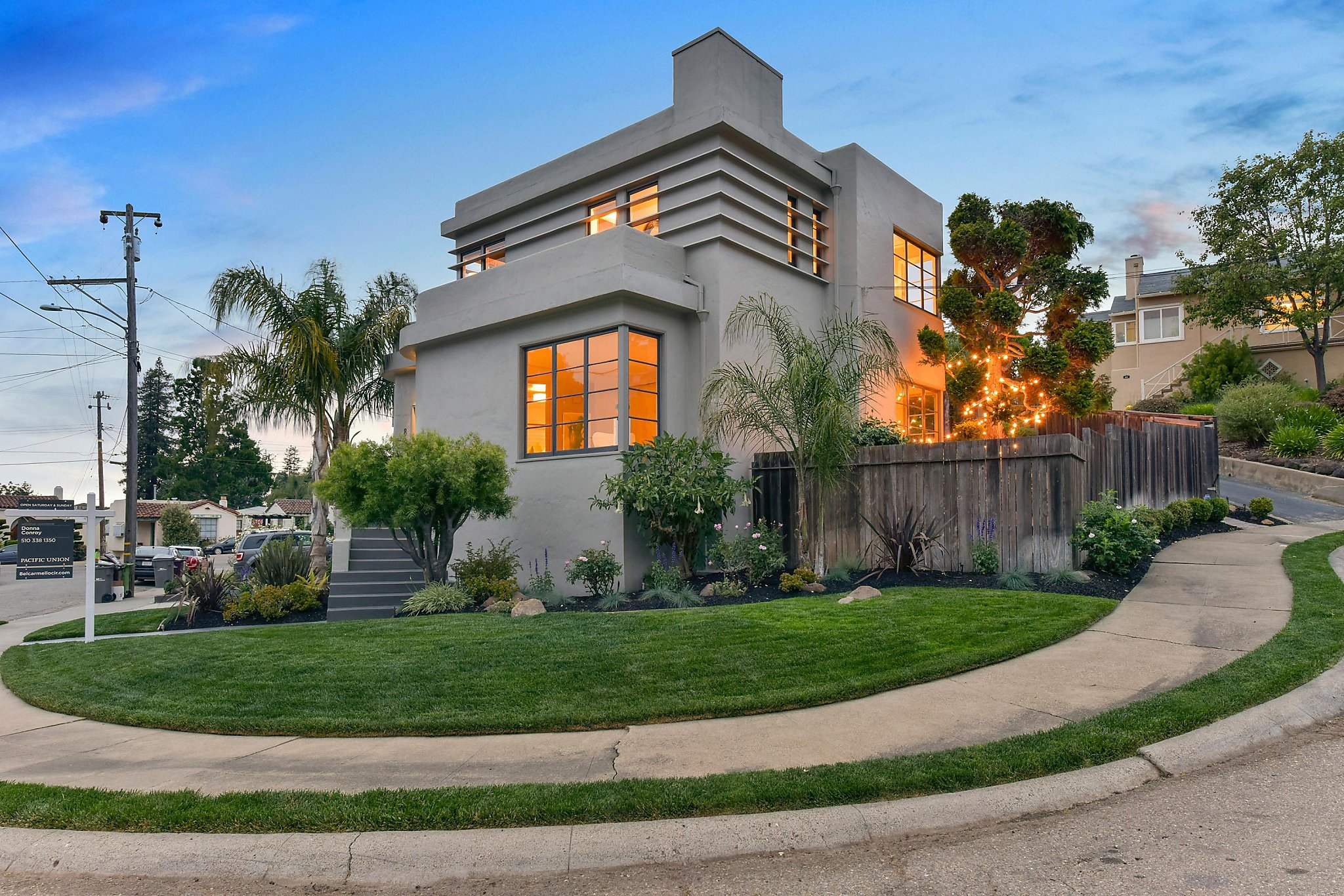 Art Deco Home Built In 1938 Open Sunday In Oakland