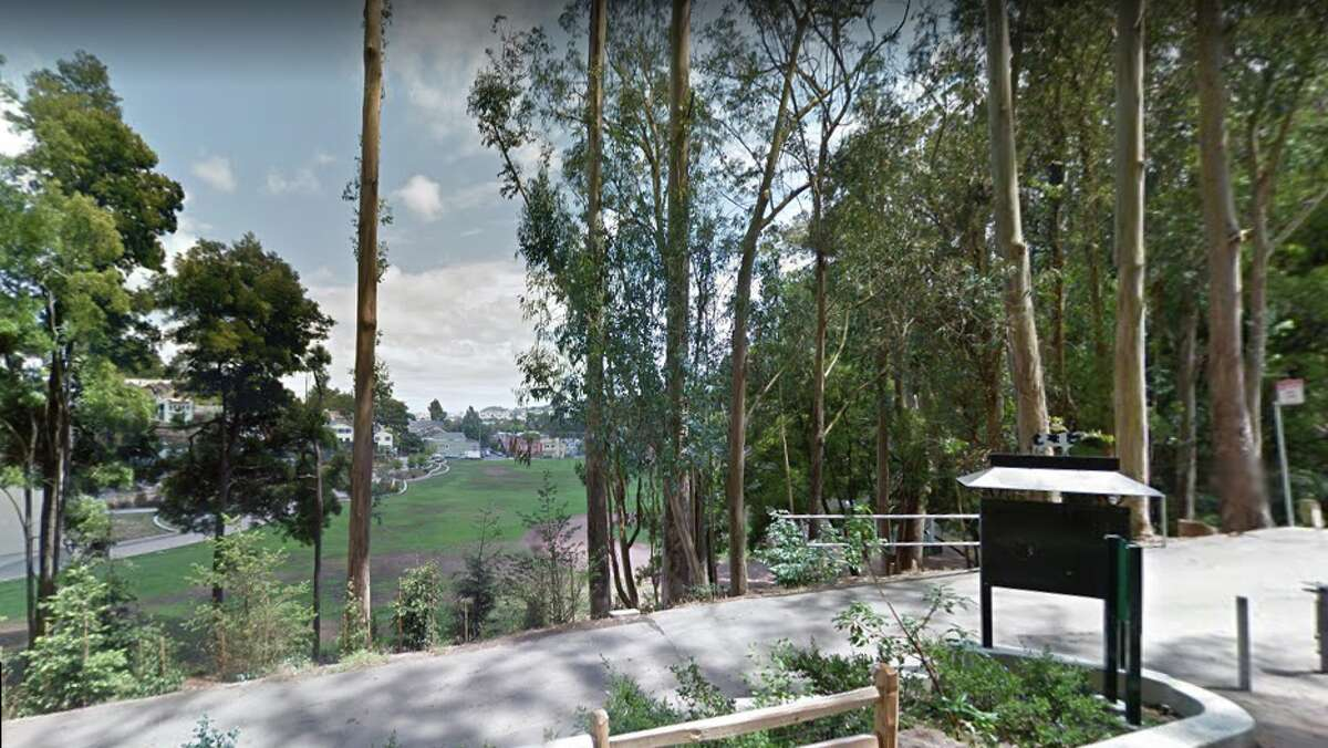 Now: Looking east from the 1300 block of Bosworth Street. Glen Park Canyon Recreation Area now occupies about 70 acres with a recreation center, ballfield, tennis courts, a preschool and a large urban canyon with trails.