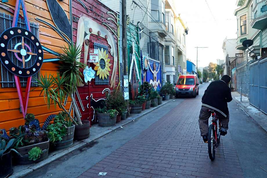 Balmy Alley off of 24th Street in the Calle 24 Latino Cultural District in San Francisco, Calif., on Sunday, October 22, 2017. Photo: Scott Strazzante / The Chronicle