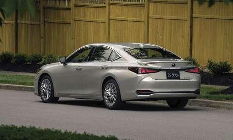 Posher Sleeker 2019 Lexus Es Will Have Apple Carplay Amazon Alexa