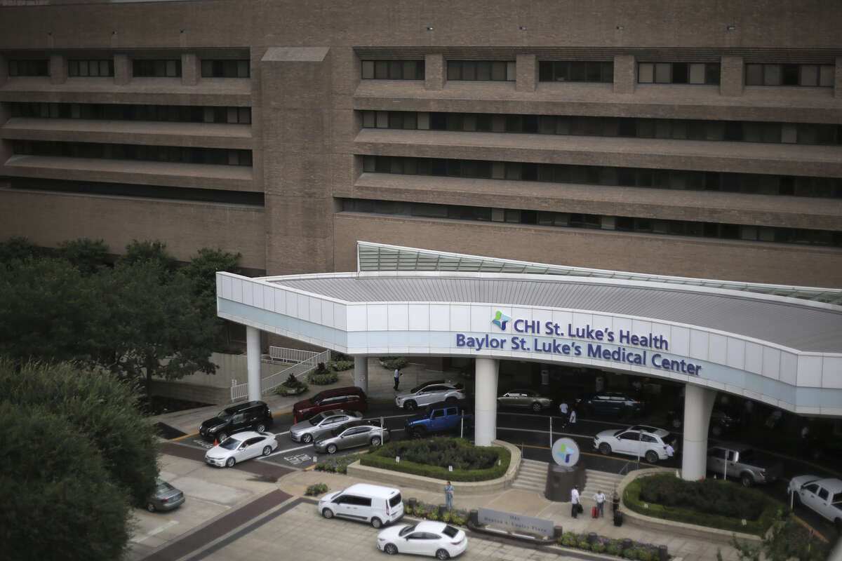 Baylor St. Luke's Medical Center has resumed its heart transplant program after a two-week review following an investigative story by The Houston Chronicle and ProPublica on Friday, June 15, 2018 in Houston.