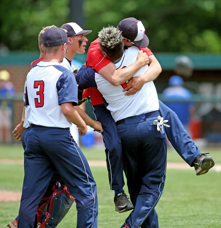 USA 5, Lake Michigan Catholic 1 Photo: Mike Gallagher/Huron Daily Tribune