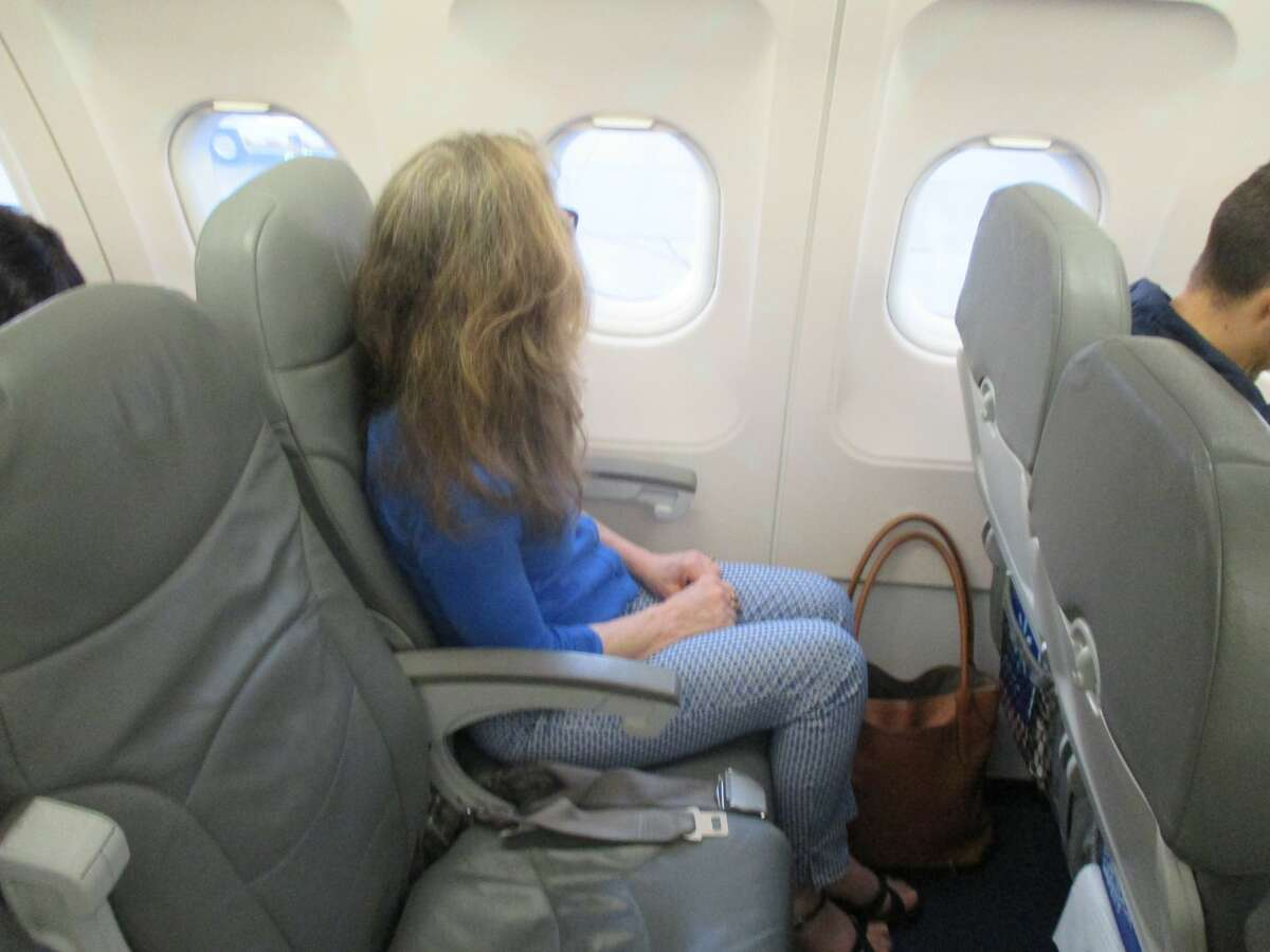 A standard economy seat on Interjet, with ample 34 inch seat pitch