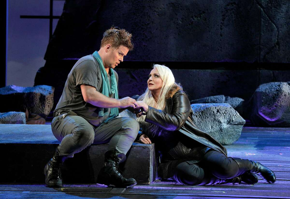 """Daniel Brenna (l.) as Siegfried and Ir�ne Theorin as Br�nnhilde in Wagner's """"Siegfried' at the San Francisco Opera"""