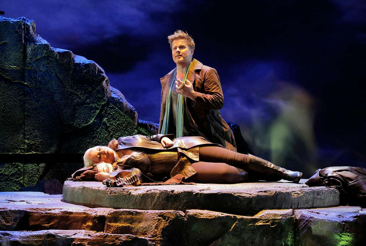 """Ir�ne Theorin as Br�nnhilde (l.) and�Daniel Brenna as Siegfried in Wagner's """"Siegfried' at the San Francisco Opera"""