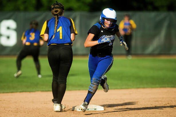 Coleman junior Makailyn Monson rounds second base during the Comets' 5-2 Division 4 state softball championship loss to Centreville on Saturday, June 16, 2018 at Michigan State University. (Katy Kildee/kkildee@mdn.net)