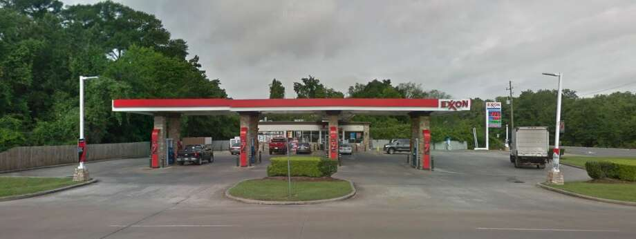 1 dead, another hospitalized after humble gas station shooting