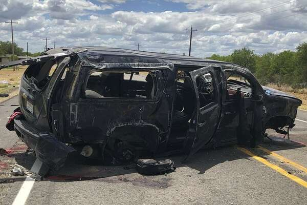 Five die after SUV carrying undocumented immigrants crashes
