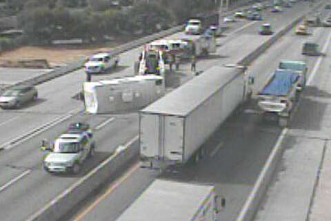 Multiple lanes of I-35 blocked after rollover accident near