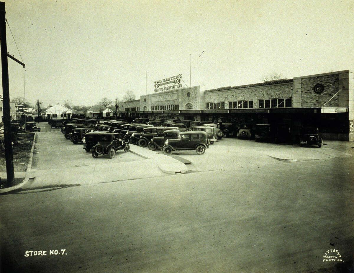 1930: Harrisburg Plaza -- shows the building when it was a Weingarten food store around 1930.