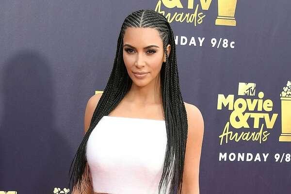 SANTA MONICA, CA - JUNE 16:  KIm Kardashian arrives at the 2018 MTV Movie And TV Awards at Barker Hangar on June 16, 2018 in Santa Monica, California.  (Photo by Steve Granitz/WireImage)