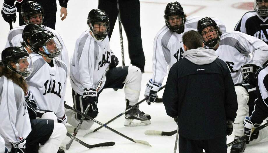 Yale hockey coach Keith Allain talks to players during the 2016 NCAA regionals. Photo: Brittany Gregory / Albany Times Union File Photo / 10035972A