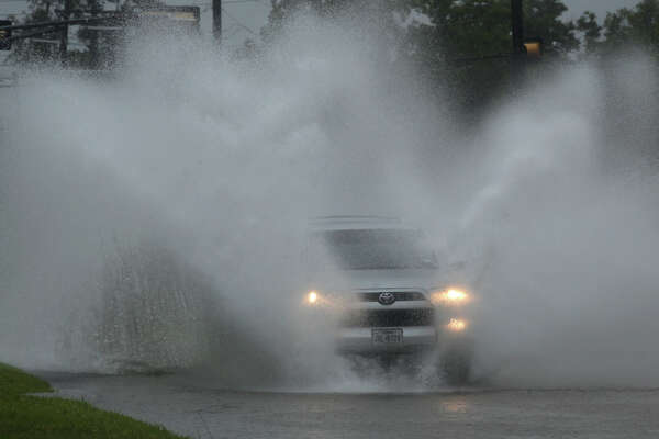 An SUV travels on Laurel Avenue Monday, June 18, 2018.   Photo: Guiseppe Barranco/The Enterprise