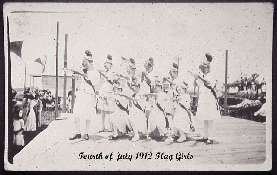 These were Pearland's flag girls in 1912. Photo: Pearland Historical Society