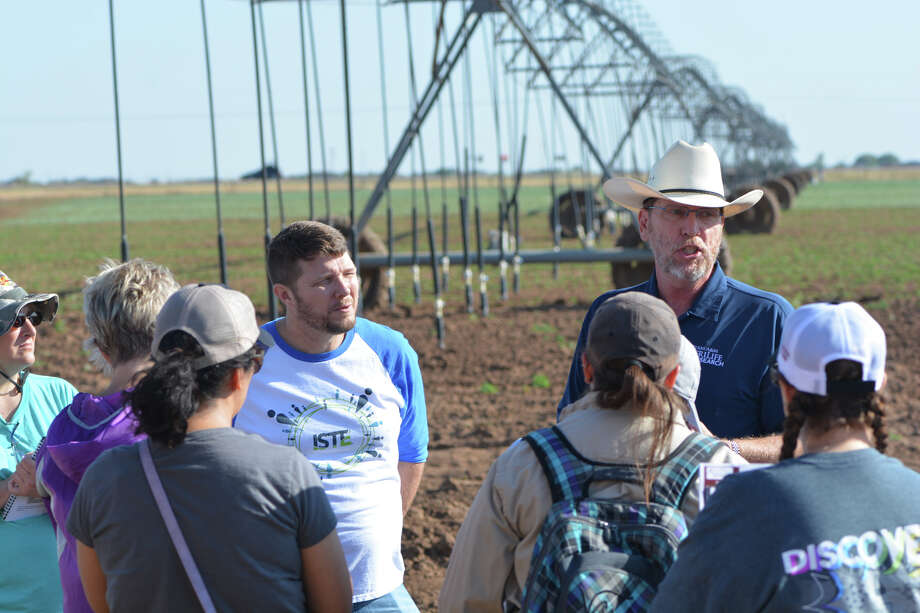 Dr. Brent Auvermann, Texas A&M AgriLife Research leader, discusses the STEM involvement in irrigation with Region 16 teachers. Photo: Kay Ledbetter/Texas A&M AgriLife Communications                /