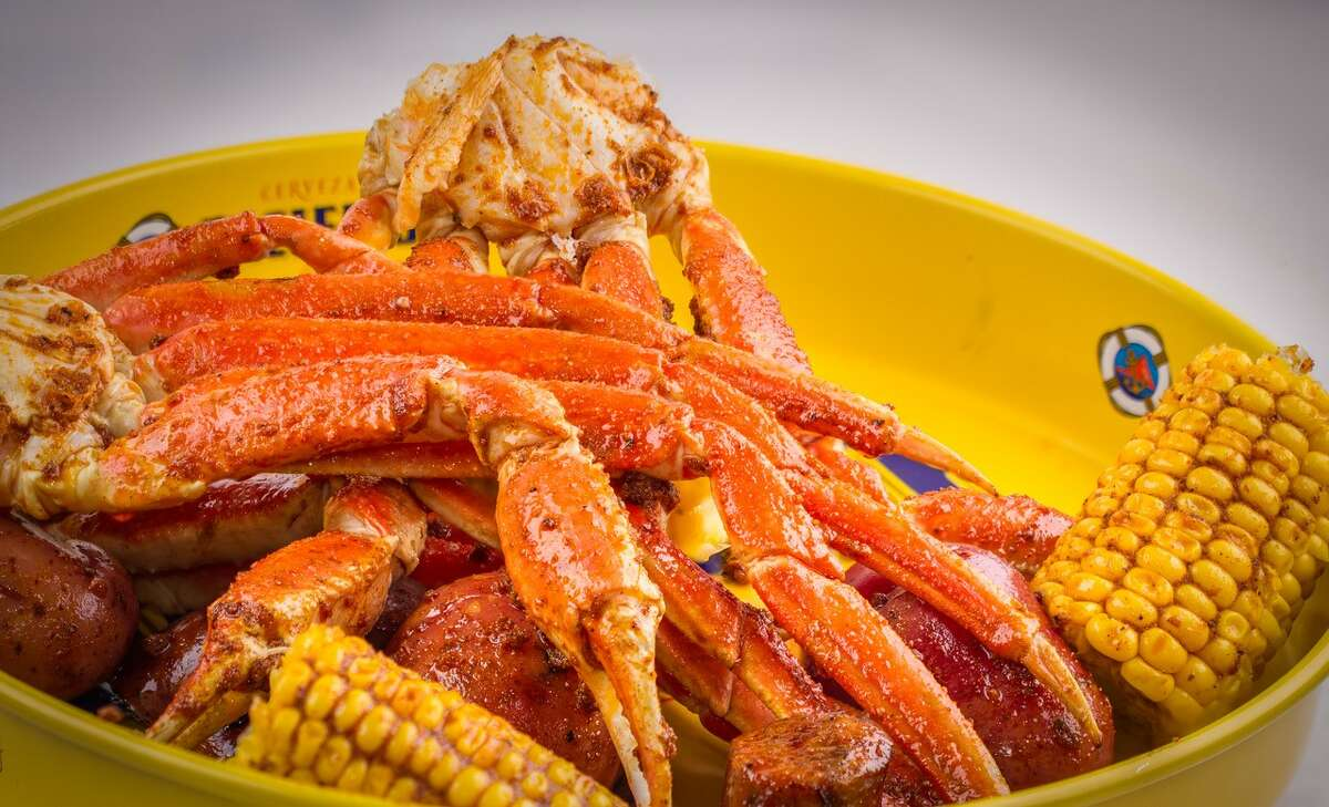 Dallas-based Shell Shack restaurant, will open its first Houston location at 2412 Washington in July 2018. Shell Shack specializes in flavor-infused seafood boils and fried catfish and shrimp baskets.