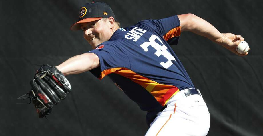 Astros righthanded reliever Joe Smith played catch on Tuesday for a second time since being sidelined for elbow discomfort. Photo: Karen Warren/Houston Chronicle