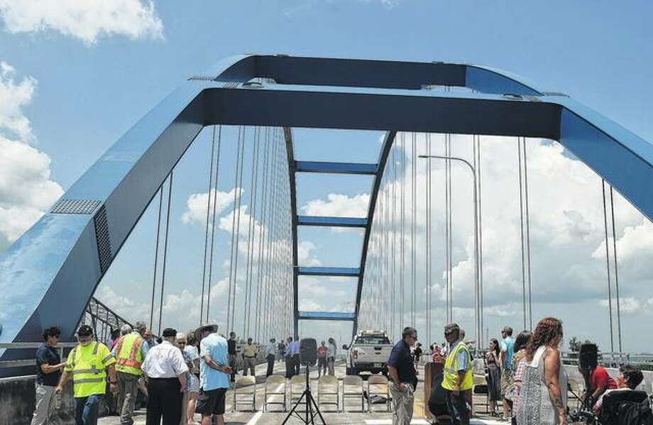 A new bridge crossing the Illinois River in Meredosia opened Tuesday.