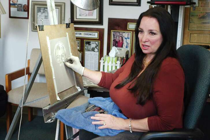 Houston Police Department sketch artist Lois Gibson demonstrates how she creates sketched portraits of crime suspects.