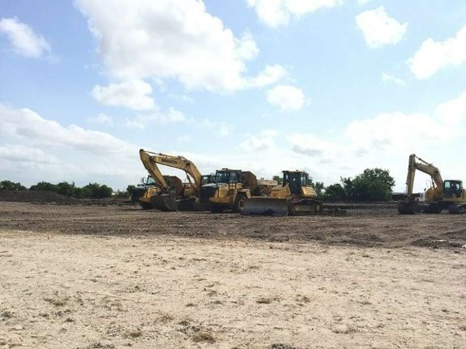 Crow Industrial Holdings broke ground on Victory Commerce Center, a 349,050 square foot cross-dock distribution center in southeast Houston/Deer Park. Photo: Colliers International