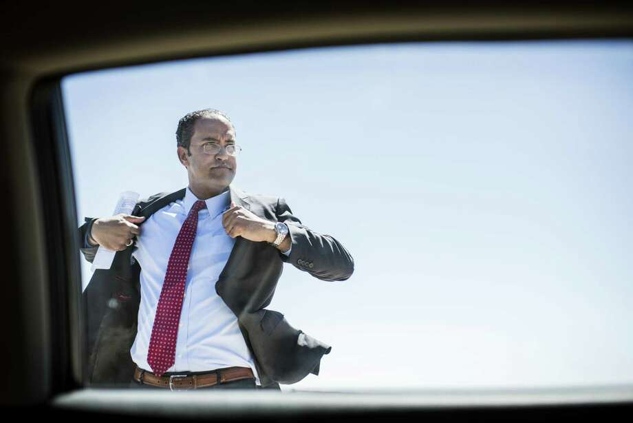 TORNILLO, TEXAS - Representative Will Hurd of the 23rd Congressional District of Texas arrives to the Marcelino Serna Port of Entry Naming Ceremony on the US border with Mexico, in his constituency, in Tornillo, Texas Wednesday April 19, 2017. (Photo by Melina Mara/The Washington Post via Getty Images) Photo: The Washington Post, Contributor / The Washington Post/Getty Images / 2017 The Washington Post